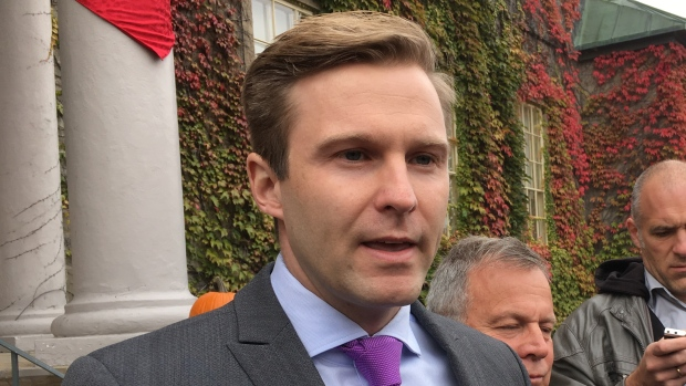 Despite federal doubts, Brian Gallant unwavering — for now — on subtle 'carbon tax' – CBCNews – 15 December 2017